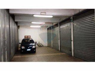 Foto 1 di Box / Garage via Carolina Invernizio, 34, Torino (zona Valentino, Italia 61, Nizza Millefonti)