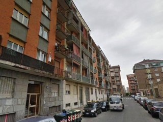 Foto 1 di Box / Garage via Canelli 61, Torino (zona Valentino, Italia 61, Nizza Millefonti)