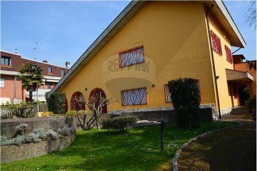 Foto 5 di Villa viale della Repubblica, 88, Valenza