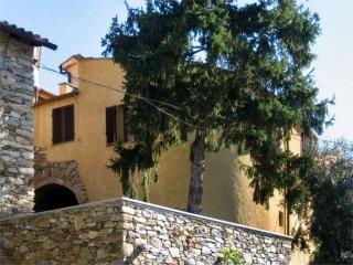 Foto 1 di Appartamento via Valentino Gerini, 17, Arnasco