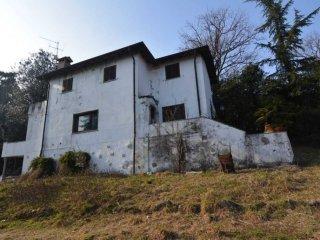 Foto 1 di Villa via alle Alpi, 23, Ghiffa