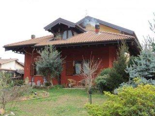 Foto 1 di Villetta a schiera Baveno