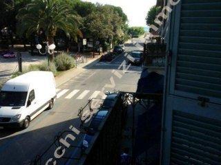 Foto 1 di Trilocale via IV Novembre, Forte Dei Marmi