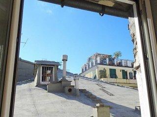 Foto 1 di Quadrilocale via di San Bernardo, Genova