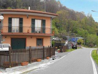 Foto 1 di Casa indipendente via CAMPOMARZIO, Varazze
