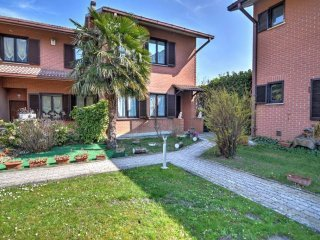 Foto 1 di Villa a Schiera Sant'ambrogio Di Torino