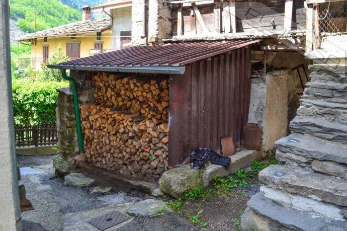 Foto 4 di Rustico / Casale Frazione Castel del Bosco 118, Roure