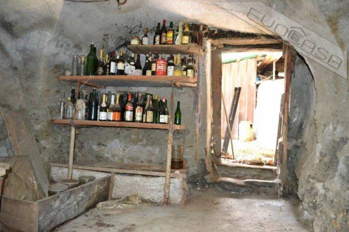 Foto 11 di Rustico / Casale Frazione Castel del Bosco 118, Roure