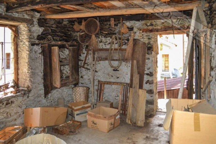 Foto 12 di Rustico / Casale Frazione Castel del Bosco 118, Roure