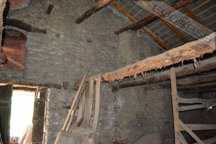 Foto 14 di Rustico / Casale Frazione Castel del Bosco 118, Roure