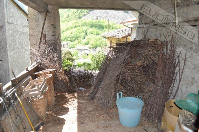 Foto 16 di Rustico / Casale Frazione Castel del Bosco 118, Roure