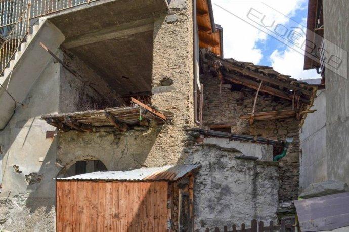 Foto 18 di Rustico / Casale Frazione Castel del Bosco 118, Roure