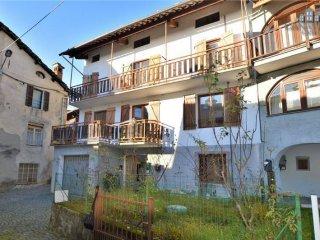 Foto 1 di Casa indipendente via Patrioti 6, Vico Canavese