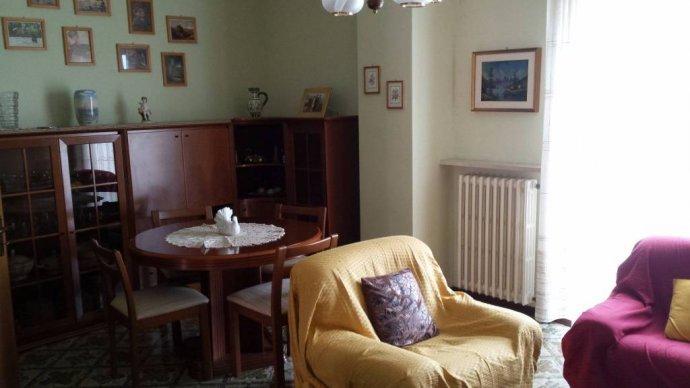Foto 3 di Villa Borgo Superiore Lussito 29, frazione Lussito, Acqui Terme