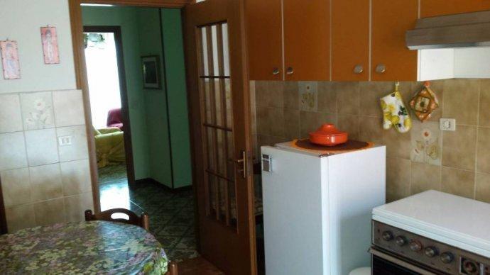 Foto 4 di Villa Borgo Superiore Lussito 29, frazione Lussito, Acqui Terme