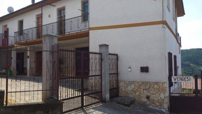 Foto 8 di Villa Borgo Superiore Lussito 29, frazione Lussito, Acqui Terme