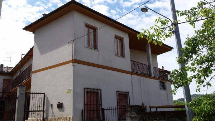 Foto 9 di Villa Borgo Superiore Lussito 29, frazione Lussito, Acqui Terme