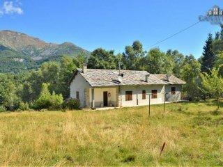Foto 1 di Villa strada Provinciale della Valchiusella, Meugliano