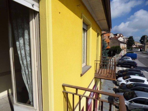 Borgo San Dalmazzo, ampio alloggio centrale da ristrutturare