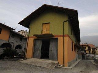 Foto 1 di Casa indipendente via Roma  31/A, Villar Focchiardo