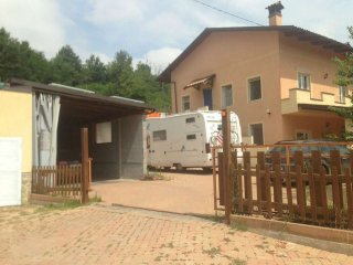 Foto 1 di Casa indipendente strada Benevagienna, Carrù