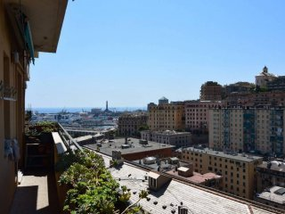 Foto 1 di Quadrilocale via Ponza, Genova (zona Oregina-Granarolo, Di Negro)