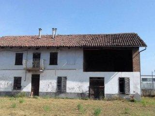 Foto 1 di Rustico / Casale via Govone, San Damiano D'asti