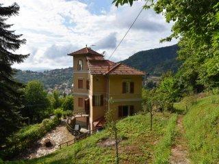 Foto 1 di Villa Via Ragnoli, 17, frazione Sementella, Savignone