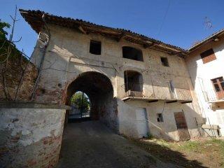 Foto 1 di Rustico / Casale via Giuseppe Garibaldi, Piozzo