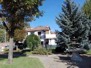 Foto 1 di Villa via Vittorio Veneto 78/80, Caramagna Piemonte