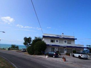 Foto 1 di Villa via Panoramica 113, frazione Gabicce Monte, Gabicce Mare