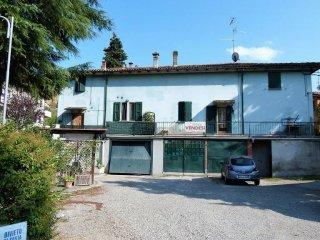 Foto 1 di Palazzo / Stabile frazione Noce, Ozzano Dell'emilia