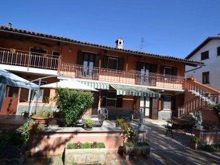 Foto 1 di Villa Borgata Bruera 6, Piscina