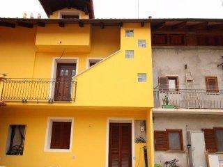 Foto 1 di Bilocale via Levone, Vauda Canavese