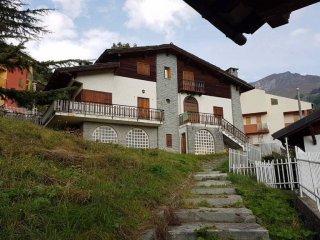 Foto 1 di Villa Crissolo