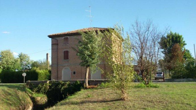 Foto 2 di Appartamento via Castel Leone, San Cesario Sul Panaro