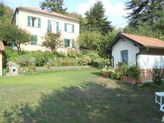 Foto 1 di Appartamento via Pietra, Torriglia