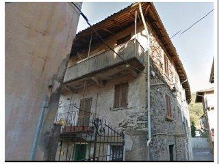 Foto 1 di Quadrilocale via Simonetta 25, Cambiasca