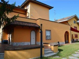 Foto 1 di Villa viale Della Repubblica, 90, Valenza