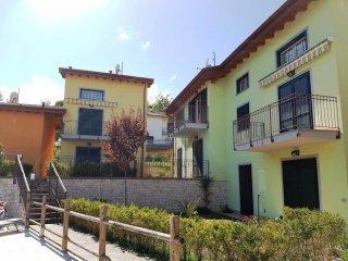 Foto 1 di Bilocale via Guadi, Borghetto Di Vara