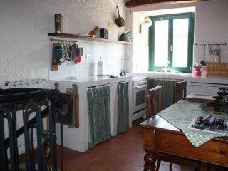 Foto 1 di Casa indipendente via della Via, Borghetto Di Vara
