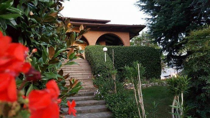 Foto 1 di Villa via Vignolese, Spilamberto