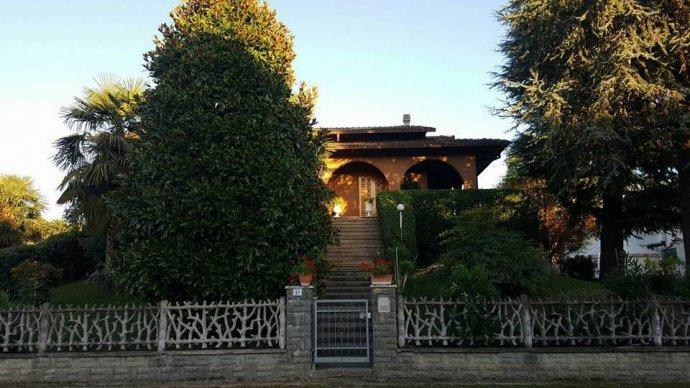 Foto 2 di Villa via Vignolese, Spilamberto