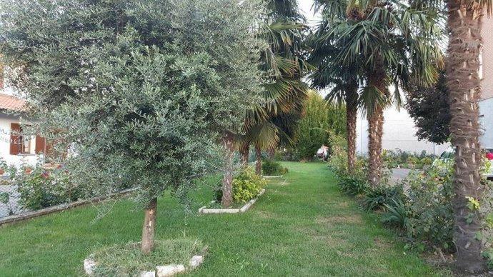 Foto 9 di Villa via Vignolese, Spilamberto