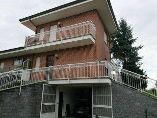 Foto 1 di Porzione di casa via guido gozzano, Vauda Canavese