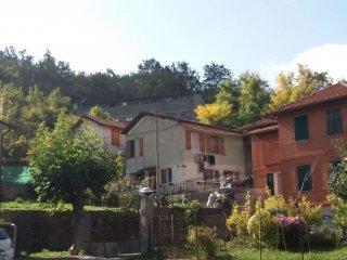 Foto 1 di Casa indipendente via di Ternano, frazione Avosso, Casella