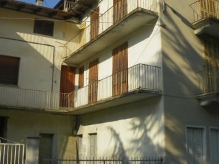 Foto 1 di Palazzo / Stabile Prazzo