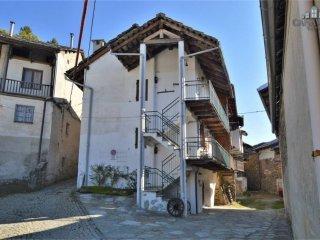 Foto 1 di Casa indipendente via Compagno Enrico 38, Rueglio