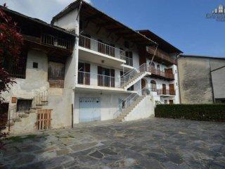 Foto 1 di Casa indipendente vicolo Bertarione 5, Vico Canavese