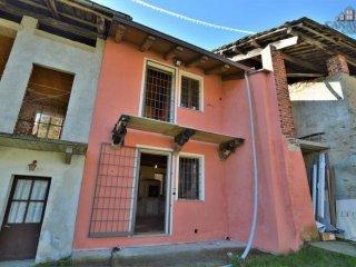 Foto 1 di Casa indipendente Frazione Rua, Canischio